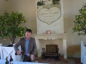 Calon Segur director Vincent Millet pouring delicious samples